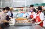 Hải Dương: Nhộn nhịp cảnh bếp ăn dã chiến lớn nhất trong tâm dịch ở Chí Linh