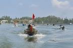 Quảng Nam: Cắm cờ đỏ sao vàng trên ghe, dân làng nghề xuất hành lấy lộc đầu năm