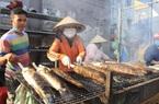 TP.HCM: Chuẩn bị 3-4 tấn cá lóc nướng, còn sợ không đủ bán ngày vía Thần Tài