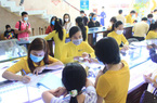 Mua vàng ngày vía Thần Tài ở TP.HCM: Khai báo y tế, bốc số, xếp hàng chờ cả tiếng
