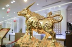 """Chiêm ngưỡng """"Kim Ngưu Vương Bảo"""" đúc từ 530 cây vàng trị giá 38 tỷ đồng"""