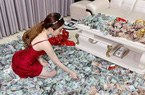 Clip: Hot girl gây sốt cộng đồng mạng với màn đập heo ăn Tết lên tới cả tỷ đồng