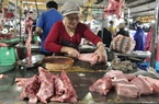"""Đà Nẵng: Cận Tết thịt heo tăng giá nhưng sức mua yếu, tiểu thương """"méo mặt"""""""