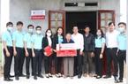 Agribank Quảng Ngãi trao nhà tình nghĩa cho người nghèo