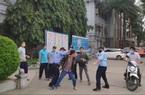 """Bảo vệ Bệnh viện đa khoa tỉnh Tuyên Quang """"loạn đả"""" với người nhà bệnh nhân: Có dấu hiệu vi phạm hình sự không?"""