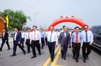 Lễ thông xe cầu Cửa Hội bắc qua sông Lam nối Nghệ An và Hà Tĩnh