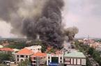 TP.HCM: Cửa hàng BBQ Pan-K Thảo Điền cháy dữ dội, cột khói cao hàng chục mét