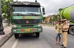 """TT-Huế: CSGT xử phạt hàng loạt """"hung thần"""" xe ben chở vật liệu xây dựng"""