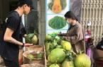 Khánh Hòa: Dân Nha Trang đua nhau mua bưởi da xanh trồng ở đâu mà ai ăn cũng khen ngọt đáo để?