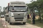 Thanh tra giao thông Quảng Bình nói gì về thông tin xe quá khổ, quá tải trên Quốc lộ 12A?