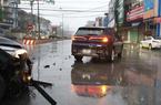 Clip: Khoảnh khắc chiếc xe VinFast va chạm với xe Kia Sedona đến mức gãy trục bánh trước