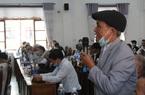 """Quảng Nam: Già làng """"gõ cửa"""" từng nhà dân để tuyên truyền về bầu cử"""