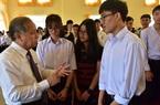 Chủ tịch TT-Huế nói chuyện với học sinh, giáo viên về việc xây dựng trường học hạnh phúc
