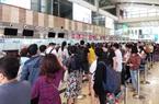 Sân bay Nội Bài kín đặc người trong ngày đầu nghỉ lễ 30/4