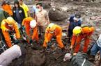 Lực lượng cứu hộ truy tìm những người còn sống sót sau trận lốc xoáy kinh hoàng ở Indonesia