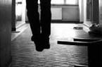 Nam thanh niên tử vong trong tư thế treo cổ trong tiệm Internet