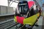 Đoàn tàu thứ 5 của đường sắt Nhổn - ga Hà Nội sắp cập bến