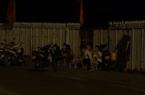 Video: Đây là cách trà đá vỉa hè lách để đón khách bất chấp lệnh cấm giữa lúc Covid-19 lây lan mạnh