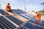 """Vì sao giá tấm pin năng lượng mặt trời tăng """"phi mã""""?"""