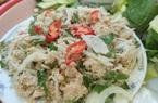 Vũng Tàu: Đem loại cá trắng trong suốt làm gỏi chấm với thứ nước không đụng hàng ra đặc sản lạ ngon hết sẩy