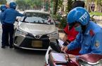 Hà Nội: 30.000 xe kinh doanh vận tải hành khách dưới 9 chỗ chậm đổi phù hiệu bị xử lý thế nào?