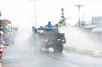 Quân đội phun hóa chất khử trùng trên địa bàn TP.Cần Thơ