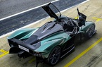 """Aston Martin Valkyrie mui trần """"trình làng"""", khung thân bằng vật liệu carbon"""