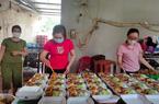 Hà Nội: Hội Nông dân tặng gà ngon, nấu các suất ăn tiếp sức chốt phòng dịch Covid-19