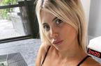 Vợ Mauro Icardi gây sốt khi khoe dáng với bikini 1 mảnh gợi cảm