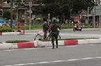 Clip nóng: Thấy người đàn ông nghèo đạp xe ngược chiều, anh bộ đội gác chốt có hành động bất ngờ