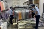 """Gần 200 bộ quần áo có dấu hiệu giả mạo nhãn hiệu nổi tiếng chuẩn bị bán cho """"thượng đế"""""""