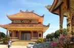 Đàn rắn nghe kinh, rơi lộp bộp trong ngôi chùa cổ