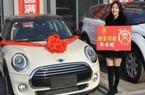 Nữ giám đốc 21 tuổi thưởng Tết cho nhân viên 4 xe BMW