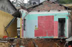 Quảng Ninh: Thi công kè làm nhiều nhà dân bị sập, nứt