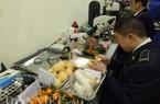 """Clip: Nông sản Trung Quốc lên bàn """"soi"""" trước khi nhập vào Việt Nam"""