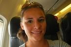 Cô gái Mỹ tấn công tình dục trên máy bay