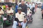 Kiên Giang: Hơn 800 người khuyết tật bán vé số nhận quà Tết