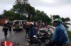 NÓNG: Xe khách chở hơn 20 người lao xuống vực trên đèo Hải Vân
