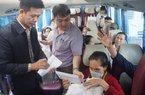 TT-Huế: Bệnh viện đưa hàng trăm bệnh nhân nghèo về quê ăn Tết