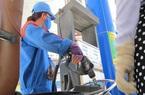 Giá xăng tiếp tục giảm mạnh hơn 2.000 đồng/lít