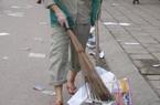 Chủ tịch thị trấn ăn chặn cả tiền công quét rác