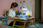 """Nữ sinh Việt """"tỏa sáng"""" trên báo nước ngoài"""