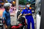 Dân lại nhấp nhổm giá xăng dầu tăng