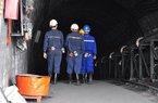 Quảng Ninh: Thợ mỏ nghỉ việc bị đòi tiền thưởng Tết