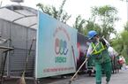 """Ảnh, clip: """"Nhà di động"""" che mưa nắng cho xe rác ở Hà Nội"""