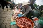Hà Nội: Cám cảnh chợ thịt ôi ở chân cầu Thăng Long