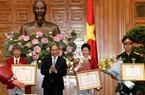 Thủ tướng trao Huân chương Lao Động hạng Nhất cho Hoàng Xuân Vinh