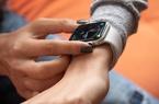 """iFan """"sốc"""" khi biết doanh số bán ra của Apple Watch đầu tiên"""