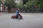 CLIP: TP.Hà Tĩnh vẫn mưa trắng trời, nhiều nơi ngập sâu