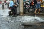 TP.HCM: Nước máy phun ngập đường phố